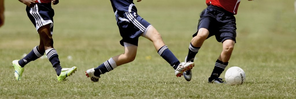 Common knee injuries in sport.
